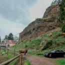 Jedeme se podívat na zříceninu hradu Frymburk, ale při příjezdu jsem se lekla, že nás tam nepustí :-)