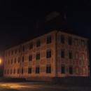 ... a mezitím se úplně setmělo, takže kolem zdejšího zámku jsme projížděli už za tmy.