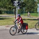 Děti si pak ještě projely dopravní hřiště - zde si holky vyměnily kolo. Že by to Hance na tom naloženém taky slušelo?