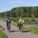 Hned za městem jsme se napojili na cyklostezku podél řeky Moravy