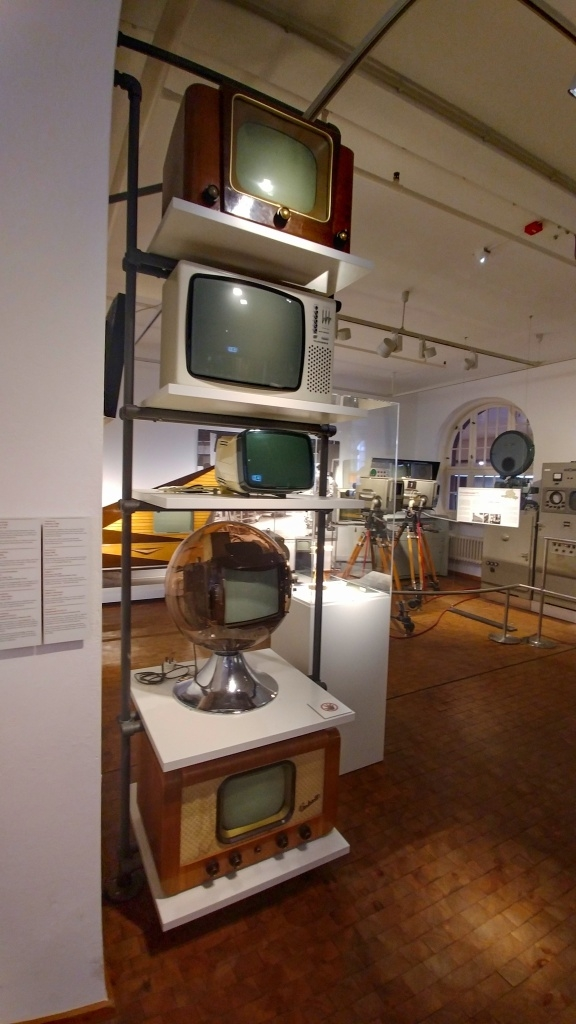 Po mašinkách následoval přesun do dalších sekcí muzea