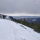 Údolí už je úplně bez sněhu.