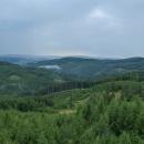 Výhled na krajinu po doznívající bouřce (do těch kopečků půjdeme pozítří...)