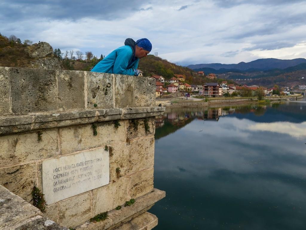 Luděk na mostě, který je přesně o 400 let starší než on :-)