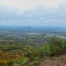 Výhled do nížín - dominuje Hazmburk