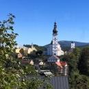 Z Vikantic opět mírně do kopce a pak silnice klesá do Branné. Je to maličká obec, s celkem 269 obyvateli; na hlavní silnici na Ramzovou ji často jen profrčíme.