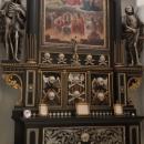 Šli jsme kolem kláštera a najednou jsme si všimli, že jsou dveře otevřené. Nikde nikdo, tak jsme toho využili. Já zde byla prvně v životě. Později jsem se dočetla, že je klášter z důvodu zrušení bohoslužeb otevřený k individuálním modlitbám.