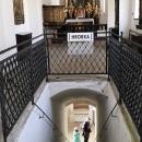 Vchod do klášterní hrobky