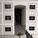 Hrobka - těla bývalých představených kláštera prý byla zabalena jen do plátna