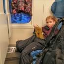 Do Desné v Jizerských horách s dětma jedeme vláčkem. Jednak HS vydala doporučení do hor auty nejezdit, jednak dneska vlakem jezdíme s dětmi podstatně levněji :-)