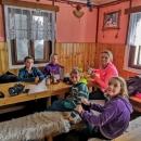 Bohužel ale měli zavřeno, prý jim ještě nepřivezli pivo... Ale navařeno měli, takže nakonec se jim zželelo matek s hladovými dětmi, a dovnitř nás vpustili.... :-)