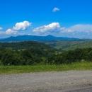 Pikuj je se svými 1408 metry totiž nejen nejvyšším bodem celých Bukovských vrchů, je také nejvyšším bodem Lvovské oblasti. A kromě toho, jeho špička je za příznivého počasí dobře vidět po celém Zakarpatí.