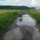 Poslední ukrajinský den jsme jeli celý v silném dešti, a poslední noc strávili na břehu řeky Už.