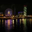 Welcome to Batumi. Noční příjezd... Vůbec jsme se nevyspali, mohl za to ten opožděný odjezd, měli jsme připlout večer. Ale zase jsme tím pádem nemuseli řešit nocleh v Batumi.