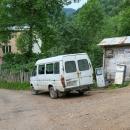 Místní vozový park na místní benzínce
