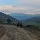 Sjezd byl stejně pomalý jako výjezd, kvalita cesty byla kavkazská, tedy strašná.