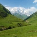 Nejvyšší gruzínská hora Šchara (5193 m)