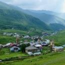 Ušguli tvoří seskupení čtyř vesnic a díky svým kamenným věžím bylo zapsáno na seznam UNESCO.