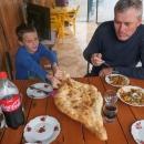 Oběd ve Jvari