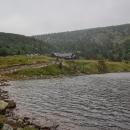 Malý Stav a schronisko Samotnia na jeho břehu