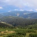 Fronta rázem odplula kamsi nad Černou horu a na nás začalo svítit slunce.