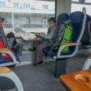 Jedeme vlakem a protože všude číhá Covid, máme s sebou kromě roušek i další nový prvek výbavy - desinfekci na ruce :-)