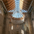 Kostel Nanebevzetí Panny Marie je vevnitř úžasně prosvětlený a teplý. Je stále otevřený (ještě tak někdy stihnout otvíračku věží)