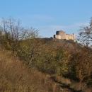 Zřícenina hradu Děvičky. Už se pomalu blížíme...