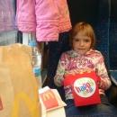 a Happy meal do vlaku - návštěva mekáče byla tečka za příjemným výletem do Brna za kamarády.