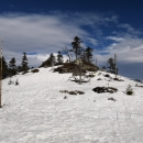 Skalnatý vrcholek hory Brousek (1115 m)