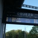 Z Těchonína máme jednou denně přímé spojení s Prahou. Chceme to vyzkoušet alespoň do Pardubic, ale musíme být na nádraží už v 6:13 ráno.