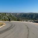Pohled do údolí Neretvy - klesneme na pouhých 17 m n.m. !!!