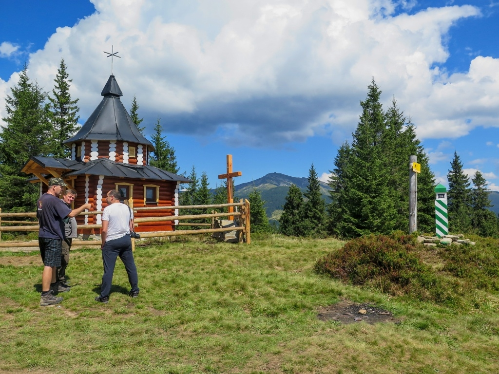 Už tam v dálce vyhlížel - Pop Ivan Černohorský (2028 metrů vysoký)