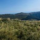 Před námi hřeben a hory Halicz a Rozsypaniec, kam ještě půjdeme