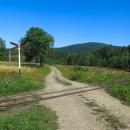 Na malý kousek se nám povedlo stopnout náklaďák, i když tam byl zákaz vjezdu :-) Přešli jsme koleje a spěcháme do stanice Balnica, odkud vláček vyjíždí.