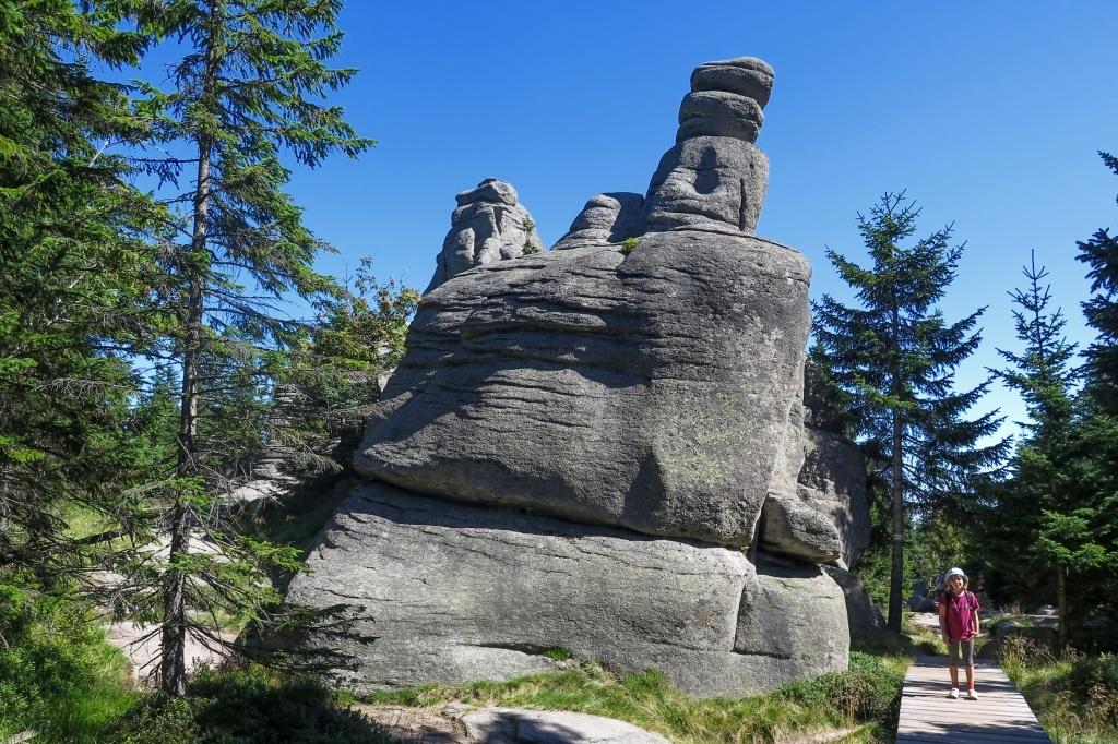 Krátká odbočka ke kamenům zvaným Pielgrzymy
