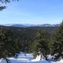 Výhled (Králický Sněžník a napravo od něj v dálce Krkonoše)