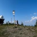 Vrcholová kniha na 1246 metrů vysoké Kojšovské hoľe, nejvyšší hora celých Volovských vrchů je Zlatý stôl (1322 m)