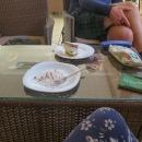 Tam jsme stihli akorát rychlé kafe a fakt luxusní dortík (byl tak luxusní, že jsem ho ani nestihla vyfotit, jak rychle jsem ho snědla  :-) )