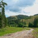 Pod Hanesovou jsme si dali oběd. Trasa je zároveň i cyklotrasou, tak jsme si zavzpomínali na trápení v létě na slovenských takzvaných cyklotrasách.