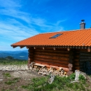 Útulňa Gálová - nová, vloni zbudovaná. Ve výšce skoro 1150 m vysoko.