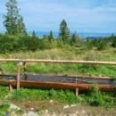 Hřebeny se zde ještě částečně využívají k pastevectví - díky tomu je tady dostatek vodních zdrojů. Vaříme si oběd - polévku a bulgur od Marcely,