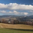 Pohled na Suchák. Sníh leží až od cca 800 m n.m.