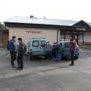 Tentokrát jsme autem popojeli na opačnou stranu, do Mladkova k sámošce. Rodina Z. naznali, že je výlet na ně moc dlouhý, a vydali se k místu našeho cíle (viz. později) odjinud.