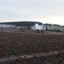 Sjezdovka v Petrovicích... Koukáme na ni a plánujeme, jak tam budeme v zimě jezdit na lyže... Ha, ha, ha...