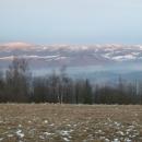 Masiv Králičáku s bílými sjezdovkami na Dolní Moravě