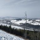 Podhůří už je skoro bez sněhu (v dáli Suchák)