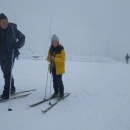 Na Slamníku(1233 m n.m.). děti šly přímo po sjezdovce, my s Luďkem okolo.