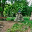 A valíme k Mamlasovi, což je úplně první Olšiakova socha, z roku 2005.