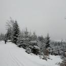 Vzpomínali jsme, jak jsme přesně tady v dubnu (při první vlně koronaviru) na kole bojovali s vrstvou starého sněhu.